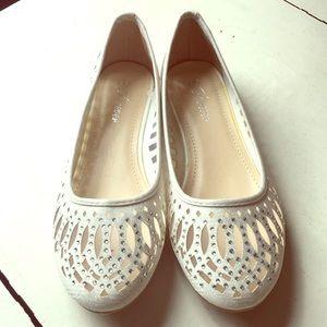 NWT White Glitter Flats